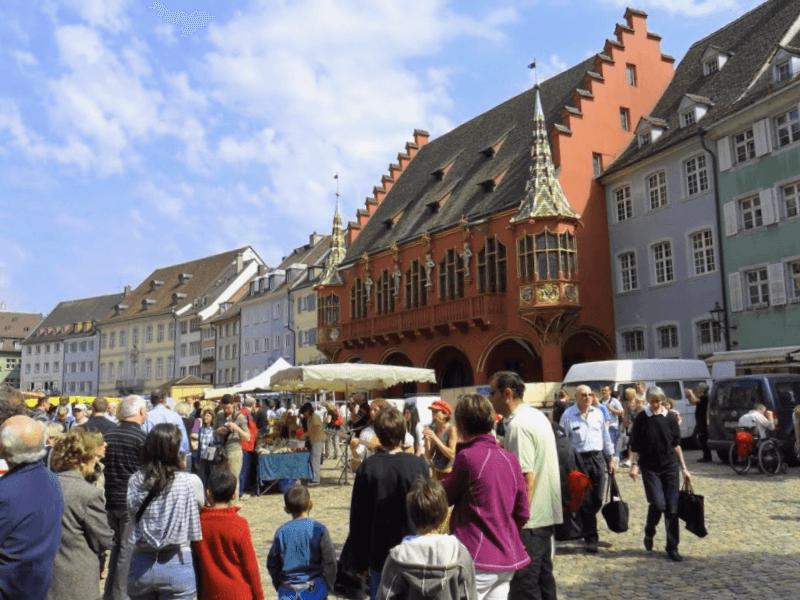 Munsterplatz de Friburgo que debemos ver