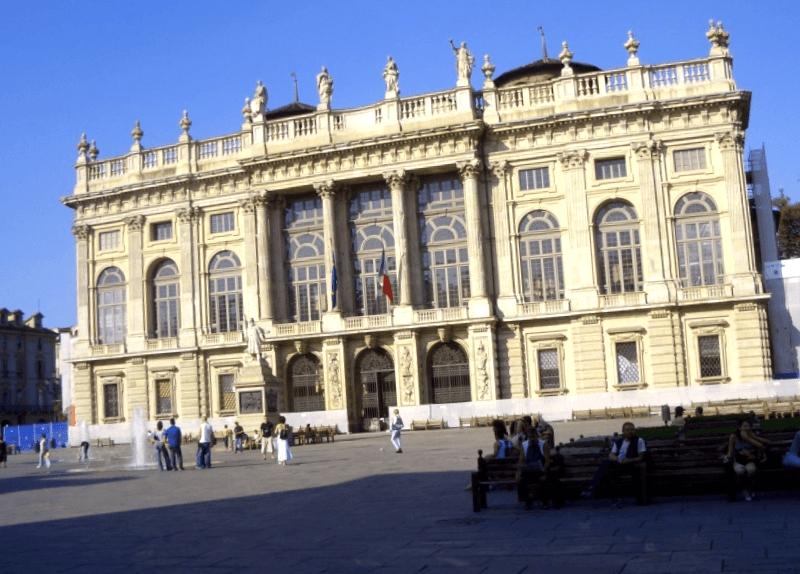 Ver Italia y descubrir de Palacio Madama