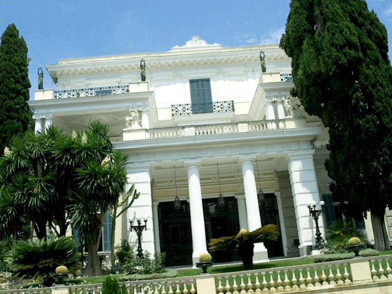 Visitar Grecia y descubrir de Palacio de Achilleion