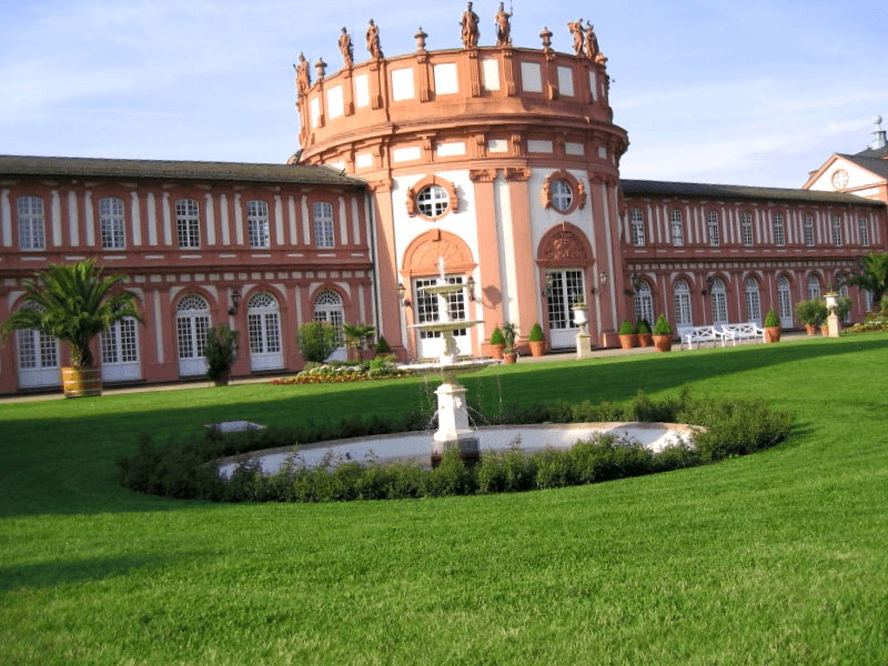 Visitar Alemania y maravillarse de Palacio de Biebrich