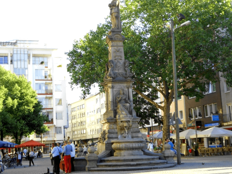 Visitar Alemania y descubrir de Plaza Alter Markt
