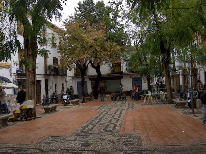 Que visitar en Plaza Larga