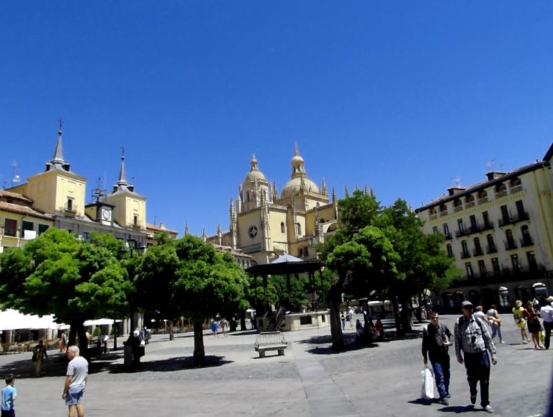Plaza Mayor de Segovia que descubrir