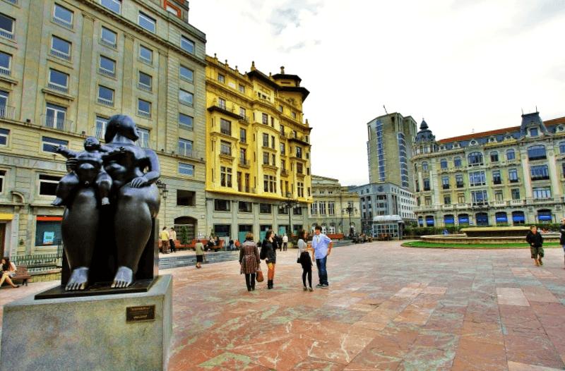 Que visitar en Plaza de la Escandalera