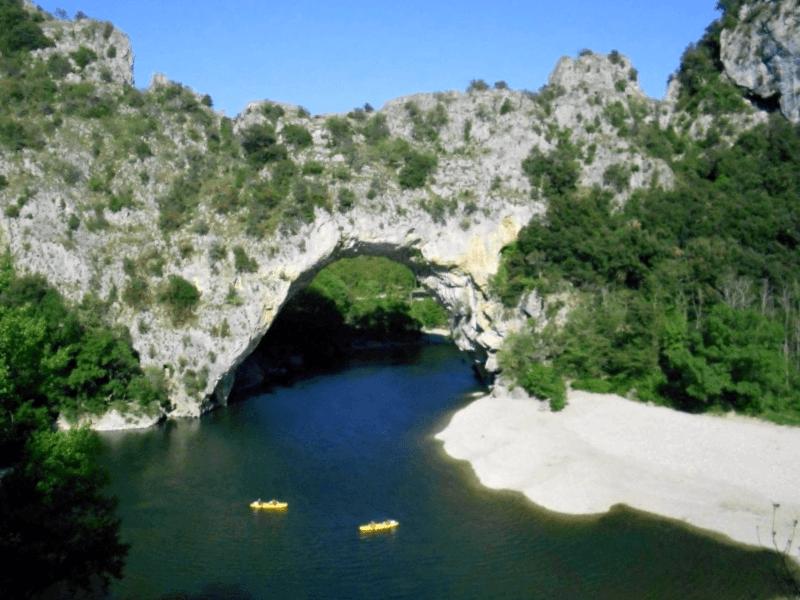 Visitar Francia y maravillarse de Pont d Arc