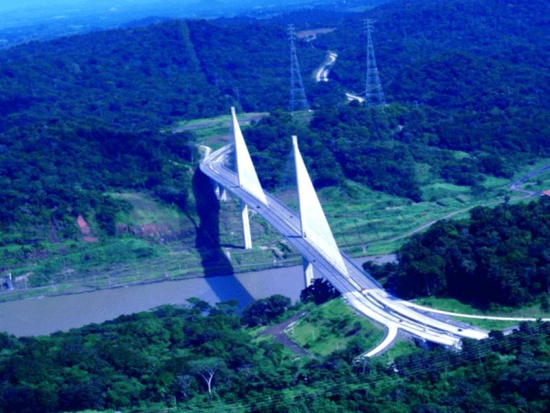 Conocer Panama y maravillarse de Puente Centenario