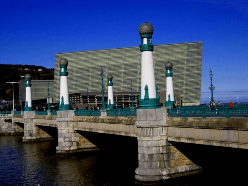 Visitar Puente Kursaal