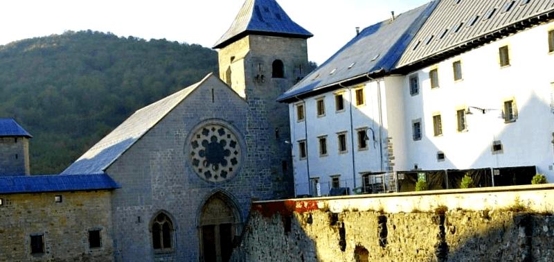 Que ver en Real Colegiata de Santa Maria