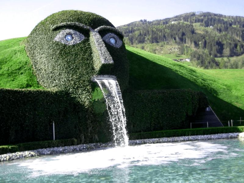 Conocer Swarovski Face Fountain