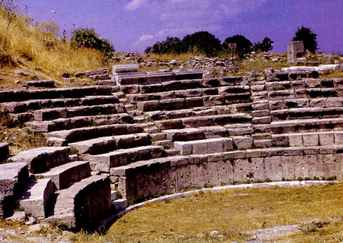 Teatro romano de Troya que visitar