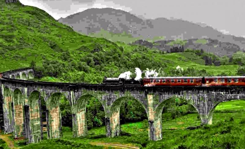 Conocer Escocia y maravillarse de Viaducto de Glenfinnan