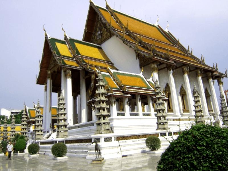 Wat Suthat que debemos ver